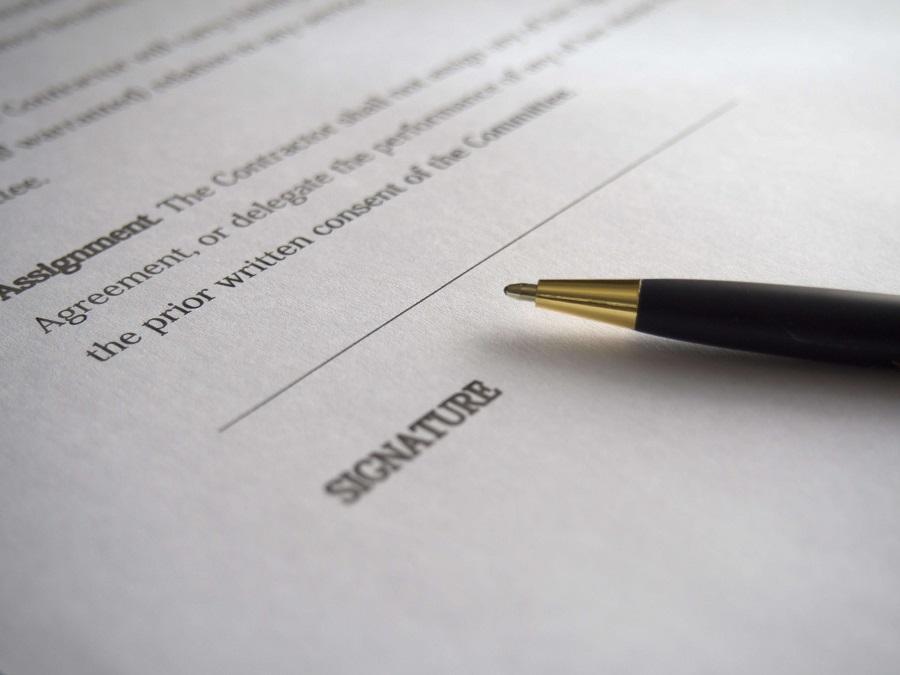 電子契約書に欠かせない電子署名とは?印鑑と同等の法的効力がある?