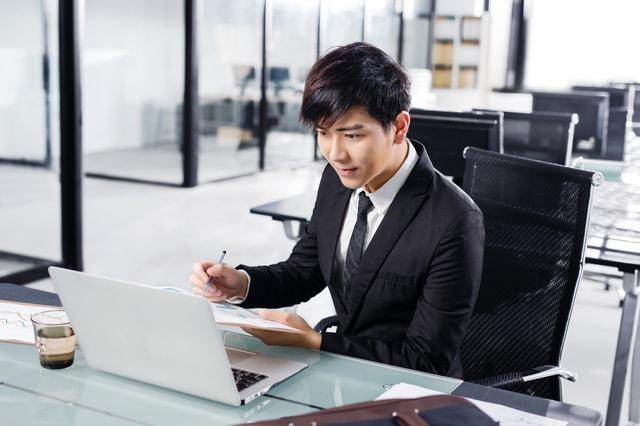 契約書の自動更新条項の書き方や契約解除する際の注意点