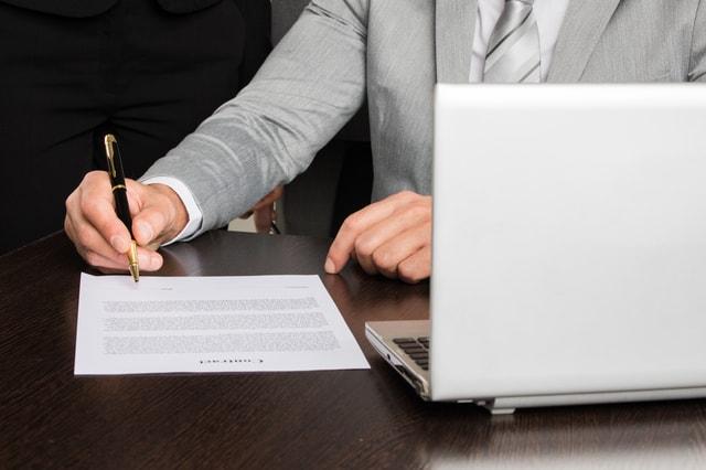電子契約書での「甲乙丙」の役割と書き方。使うときの注意点