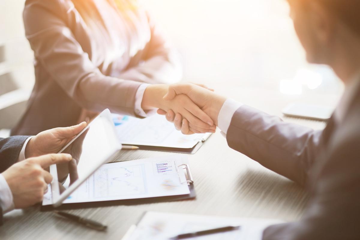 電子契約の概要やシステム利用上の注意点とおすすめサービスを紹介