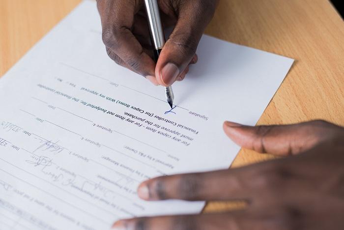 契約書における印鑑の種類は?押印の位置やシャチハタがNGな理由