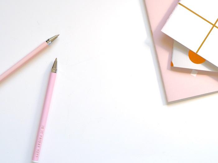契約書の正しい追記・訂正・削除方法を紹介。電子契約書の場合は?