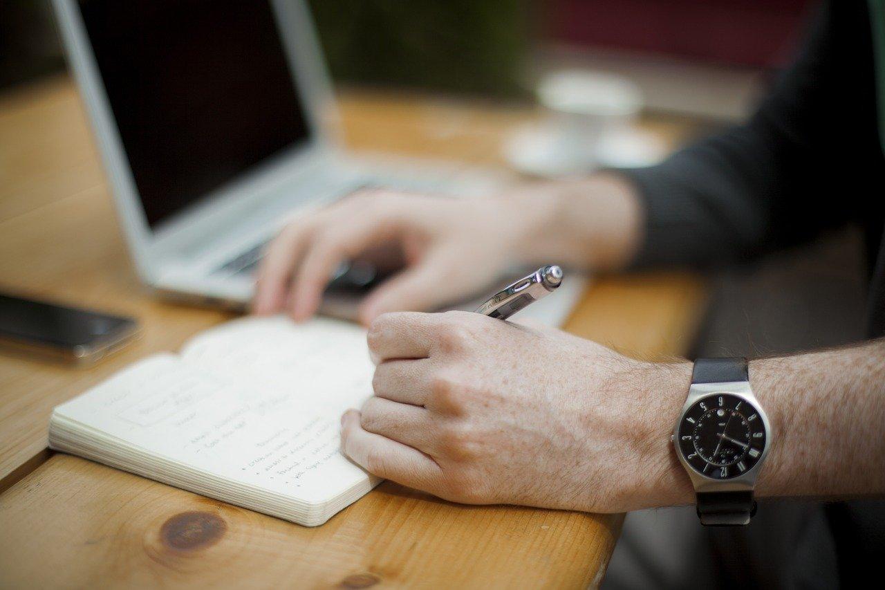 行政書士が作成可能な契約書の種類と依頼するメリット