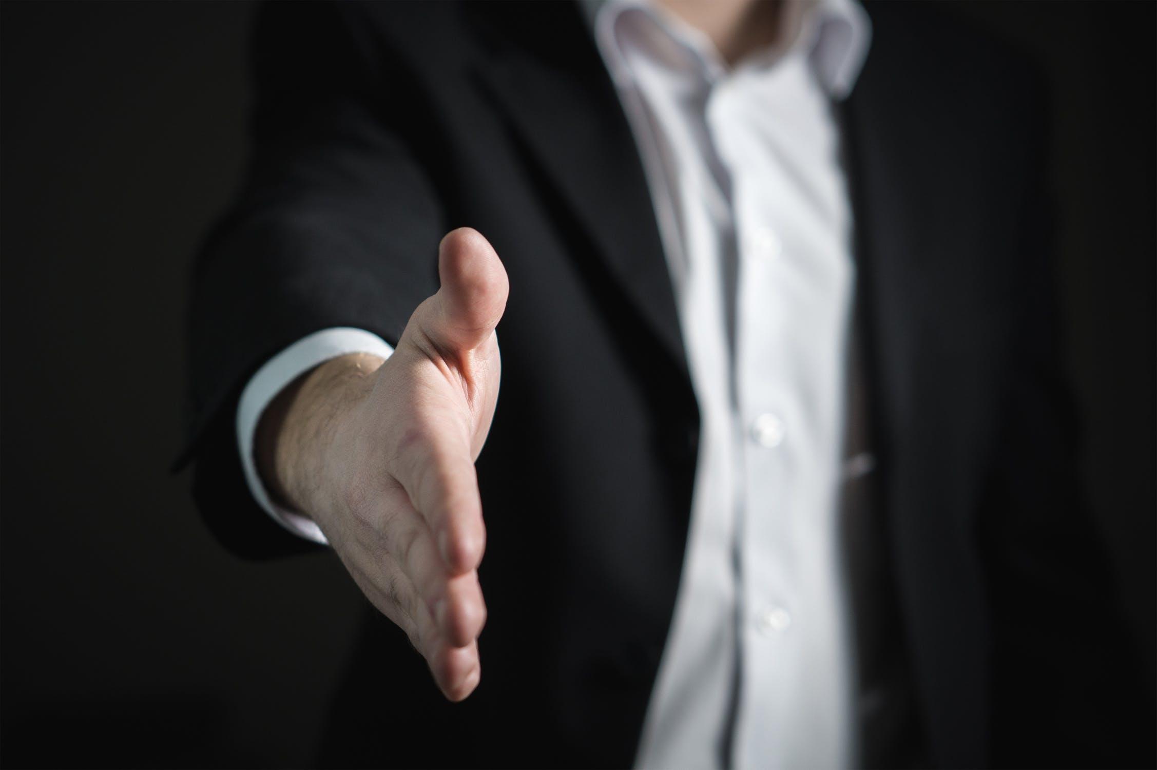 契約の効力発生日が契約日とは限らない|契約効力の発生要件を考える
