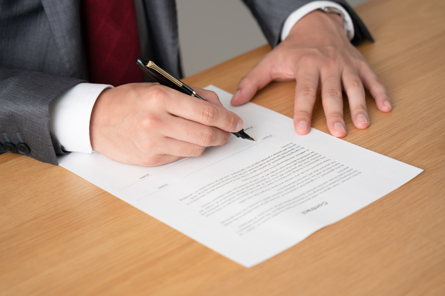 注文書で印鑑は必要?注文書の基本とサインでの代用可否を解説