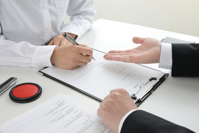 契約書の署名者として認められる人物とは?署名時の注意点も紹介