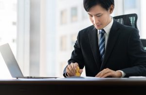 個別契約書に押印は必要?派遣契約と法人契約に分けて説明します