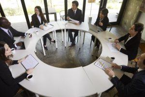 国際取引の契約書締結に欠かせない準拠法とは?要件や効果を解説