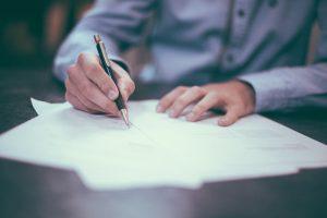 フリーランスの契約書の注意点とは?電子契約書なら簡単に契約締結!