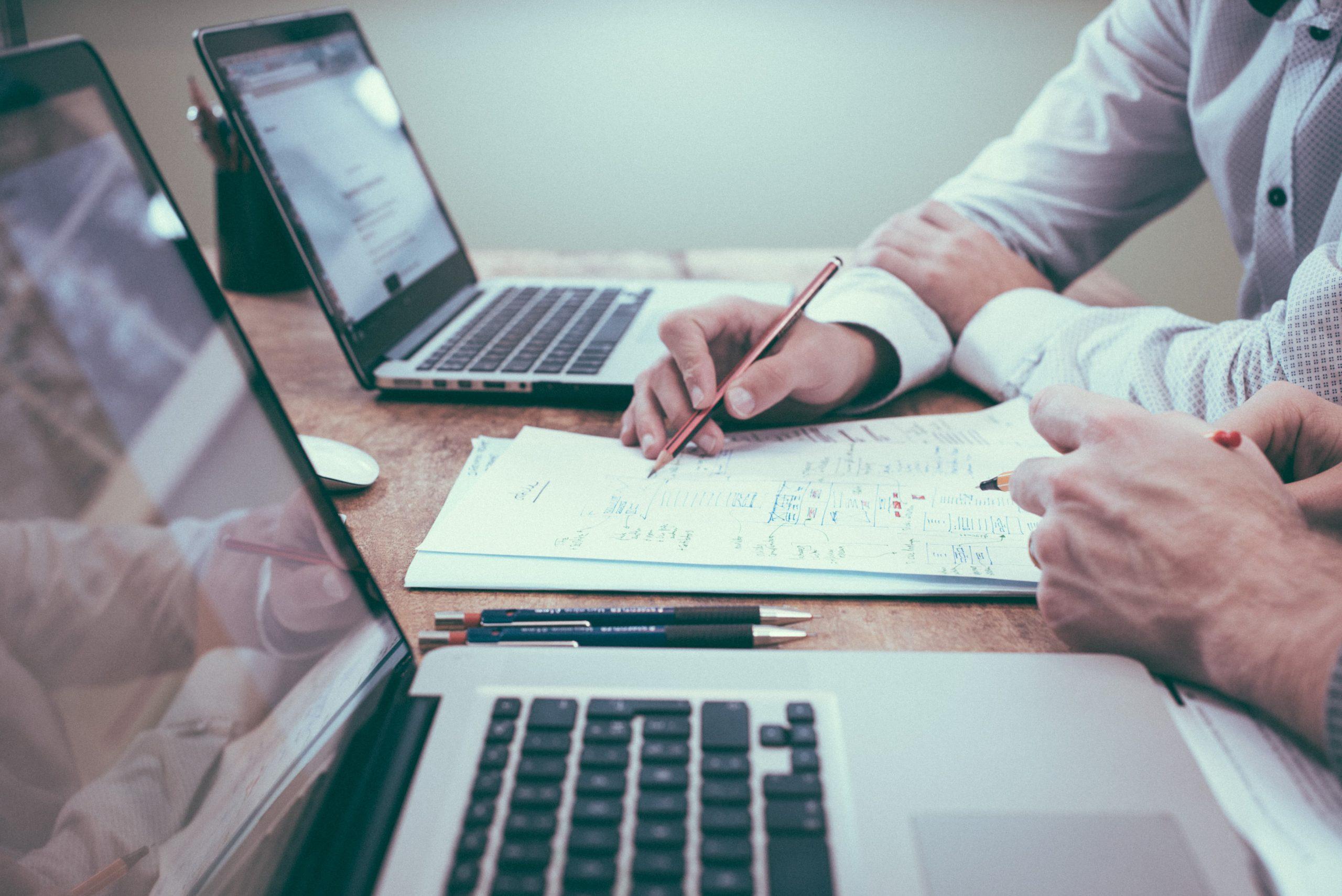 中小企業がクラウドを契約するメリットとは?契約時の注意点も併せて解説