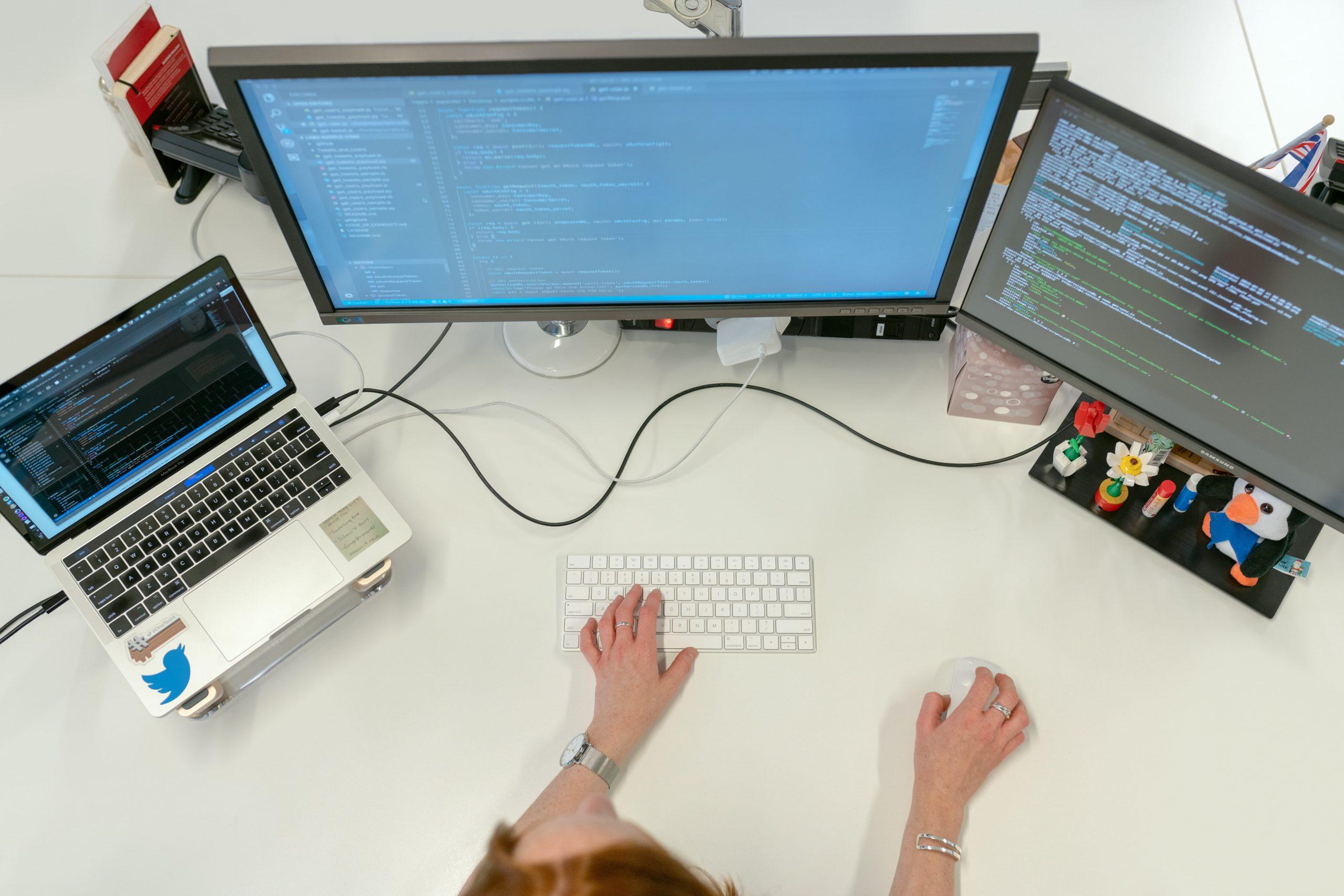 クラウドコンピューティングとは?メリットや注意点を解説